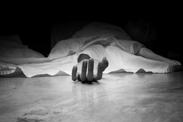 Unidentified Militant dead body found in Sopore village | KNO