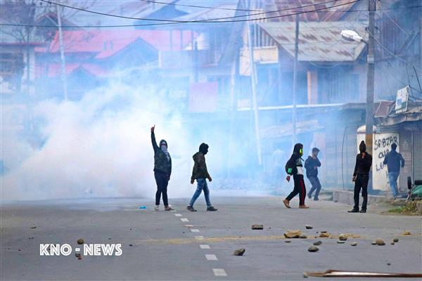 Youth critically injured during massive clashes at Mirgund | KNO