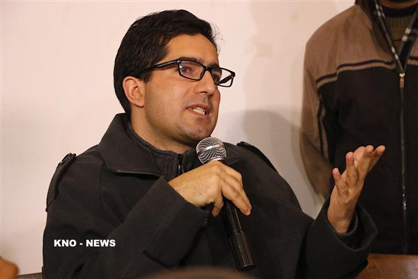Shah Faesal calls upon GoI to sort out NH, Mughal Road mess immediately | KNO