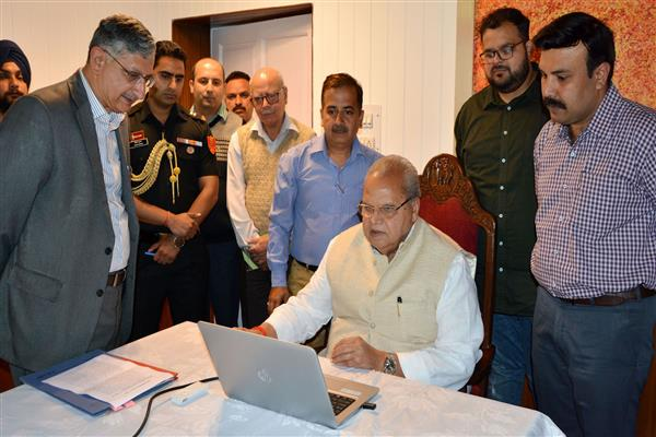 Amarnath Yatra: Guv launches On-line registration of Yatris on pilot basis | KNO
