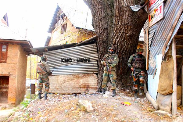 Gunfight Rages in Pinjura Shopian | KNO