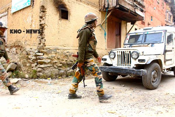 Encounter breaks out in Anantnag village | KNO