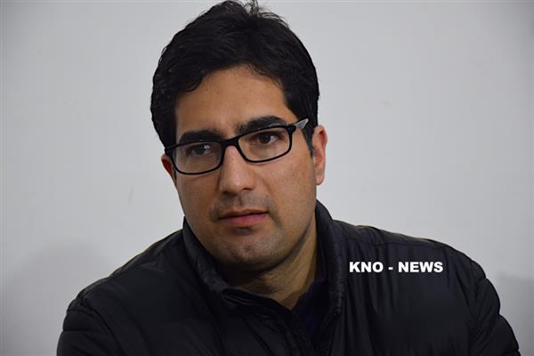 Shah Faesal cautions against fiddling with constitutional safeguards to state | KNO