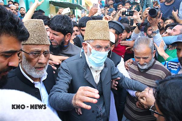 Geelani calls for protests after Friday prayers in Kashmir, PaK against plight of inmates | KNO