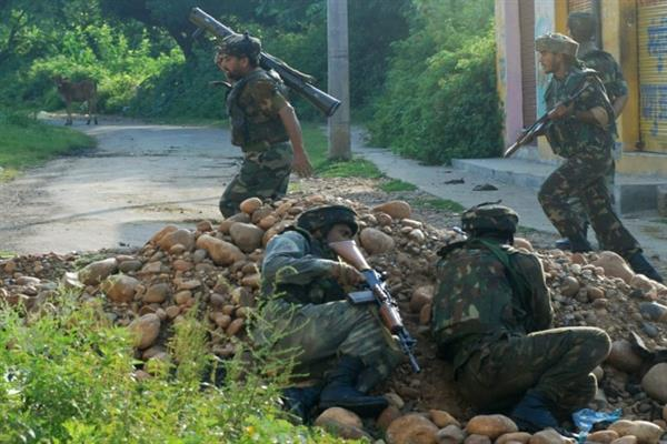Gunfight Breaks Out In Budgam Village | KNO