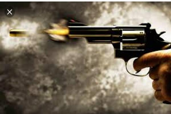 Father of NC block president shot at in Pulwama village | KNO