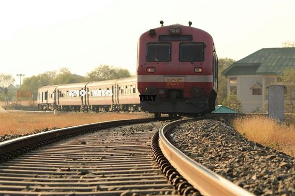 40-yrs-old woman crushed to death by train in Qazigund | KNO