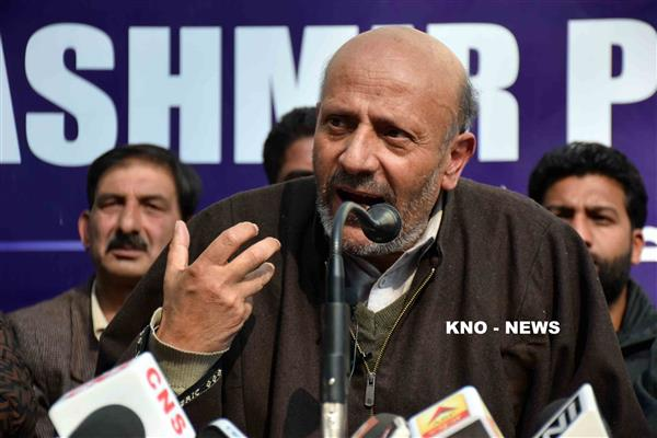 13th July martyrs didn't sacrifice lives for caging Kashmiris: Er Rasheed | KNO