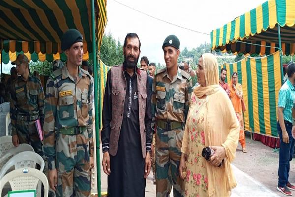 Unfazed by brother's killing, slain Aurangzeb's two siblings join army | KNO