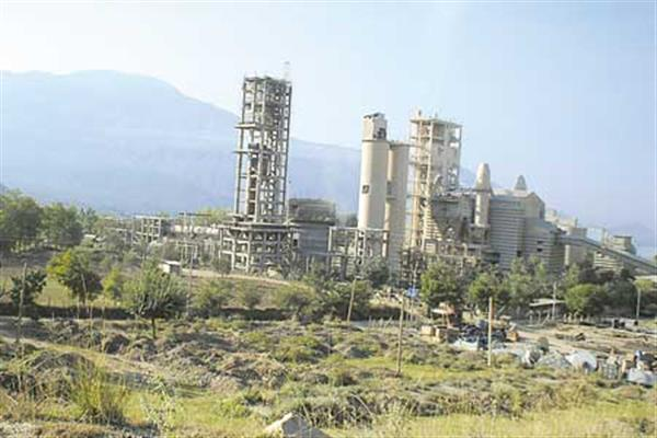 Kashmir Uncertainty: All major Cement plants shut; construction work on halt       |KNO