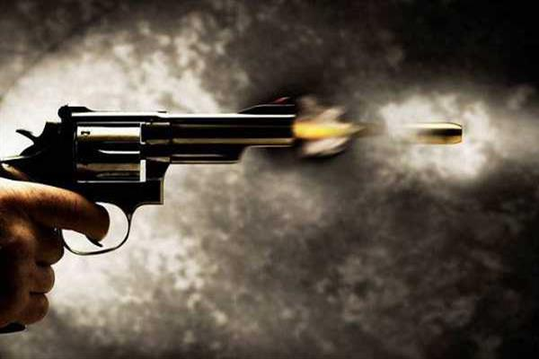Two CRPF men killed in fratricide incident at Dal Lake | KNO
