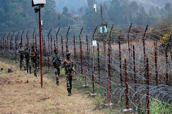Indo-Pak armies exchange gunfire along LoC in Uri sector | KNO