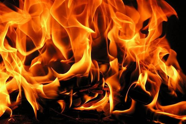 COVID-19: Amid fear, two shops looted, one set ablaze in Sopore | KNO