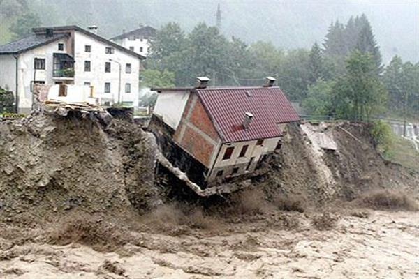 Landslides damage two residential structures in Rajouri | KNO