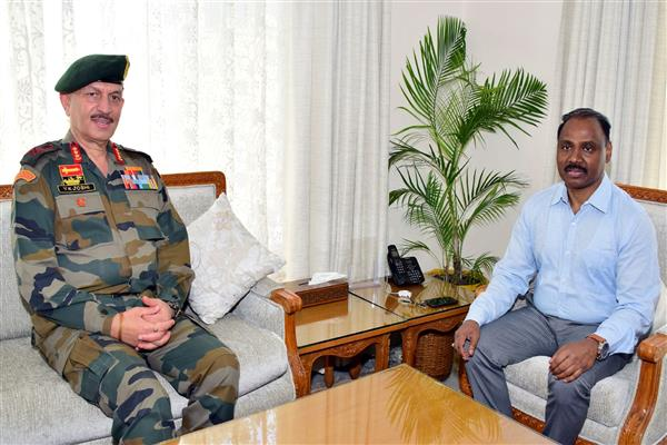 Army's Northern Command Chief meets LG Murmu | KNO
