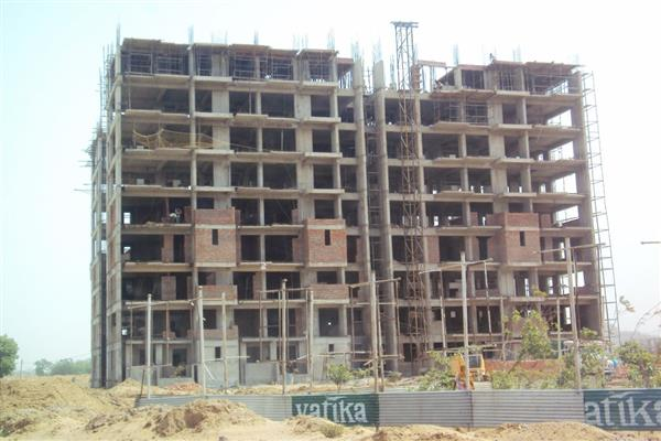 Sub-standard material being used for construction of Govt polytechnic college in Bandipora, allege locals  | KNO