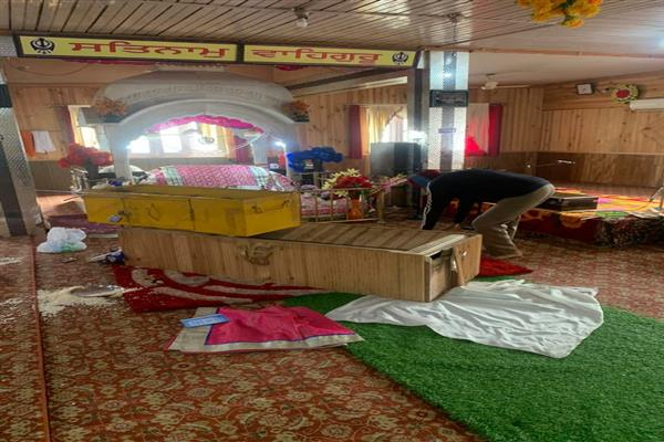 Burglars loot Rs 2 lakh cash from Gurdwara at Jawahar Nagar | KNO