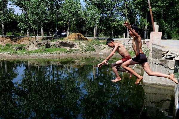 Srinagar records season's hottest day 32.9 degree Celsius | KNO