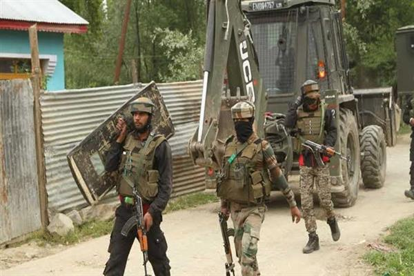 Encounter starts in Anantnag Village | KNO