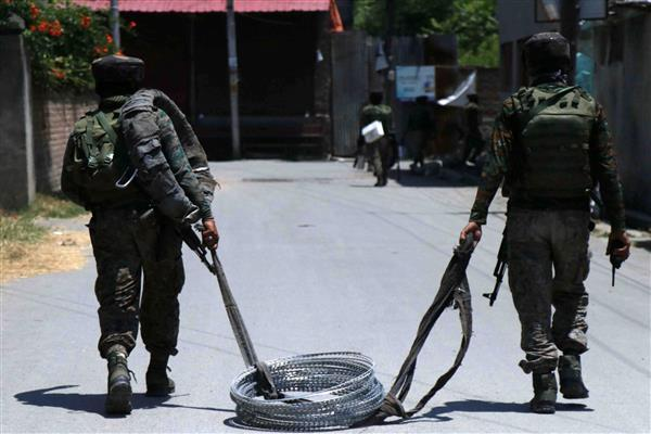 Tral Gunfight: Militants give slip to forces, 18 Hr long search Ops called off | KNO