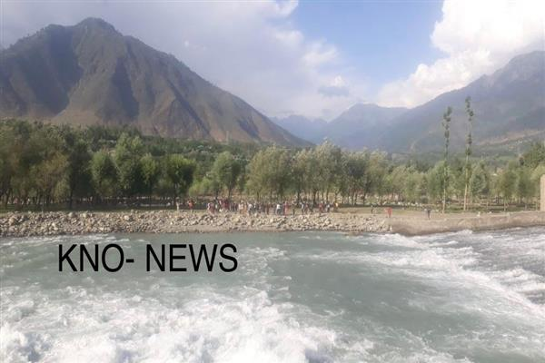 Two Srinagar boys drown in river Sindh in Kangan village, rescue operation launched | KNO