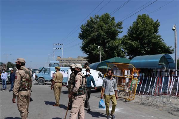 Amid heightened security, Darbar move offices re-open in Srinagar | KNO