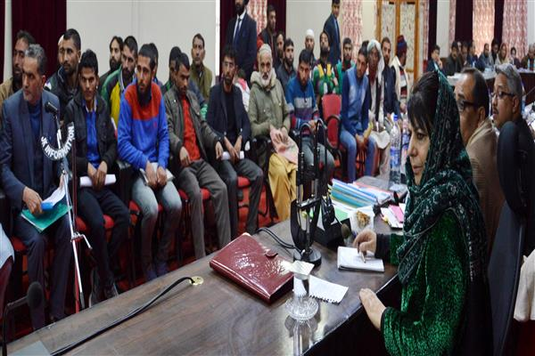 At Doda Mehbooba continued to listen to deputations till 2 am, longest interaction in decades | KNO