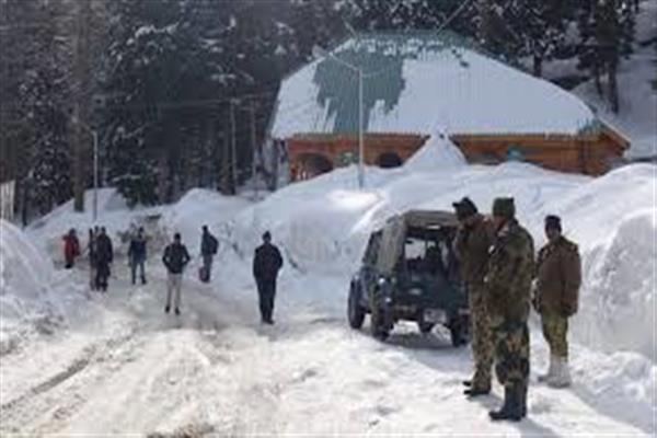 In deserted Gulmarg, residents say 'all is well' I KNO